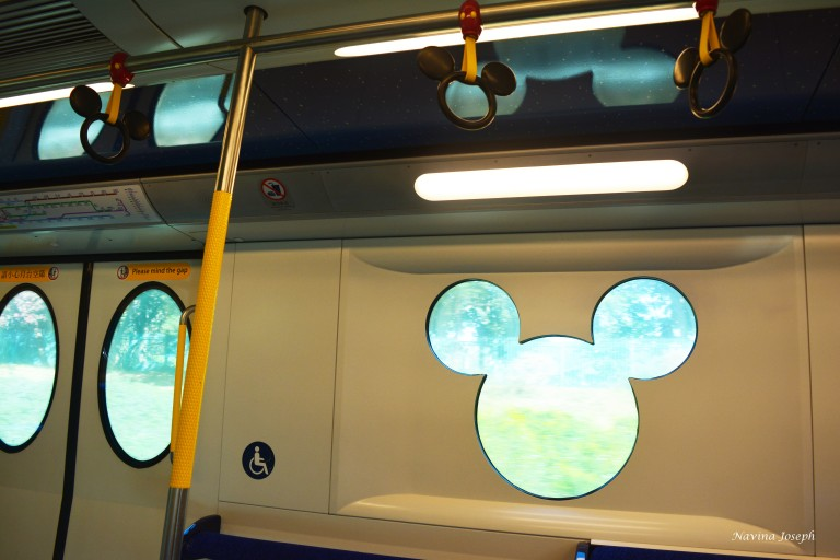 mickey-mouse-train-windows